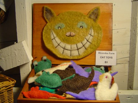 RiversleaFarmShop_cattoys